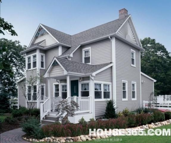 元一高尔夫别墅 独栋别墅 有院子和车库 满五年唯一 中 间位置