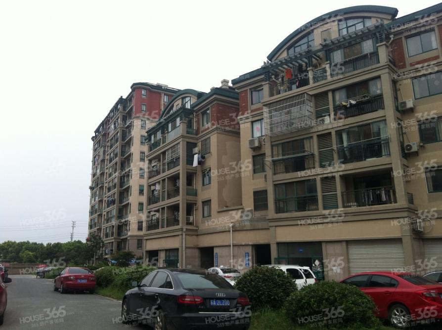 珠港花苑3室2厅1卫114平方产权房简装