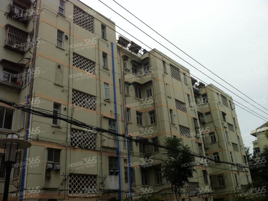 菊花三村 小行地铁口 东边户采光充足 有钥匙可随时看房