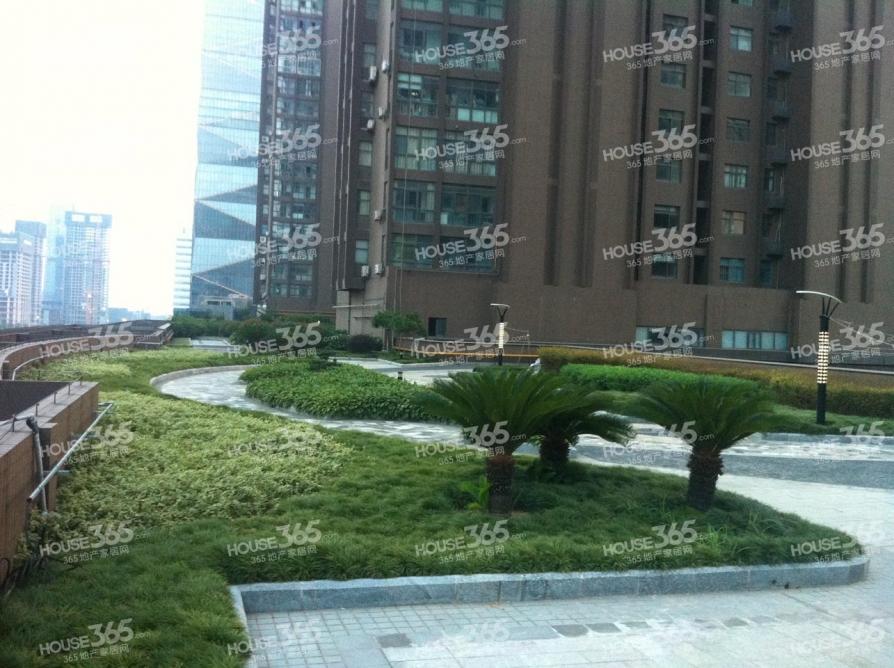 中泰国际广场108平米整租精装可注册