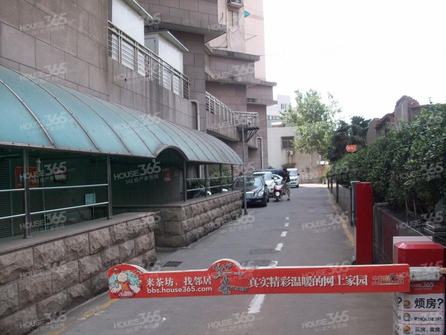 宏安大厦2室2厅1卫110平方米318万元