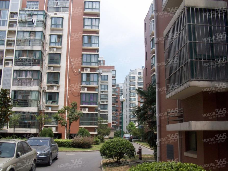 广都苑4室2厅2卫125平米精装产权房2004年建