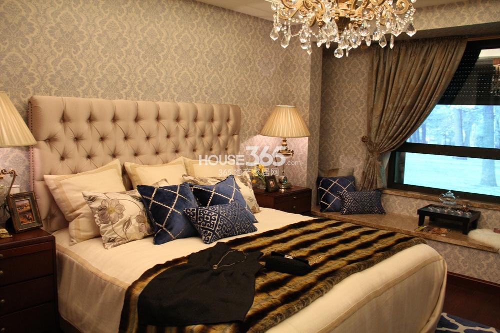 万科紫台b2户型125方样板房——卧室