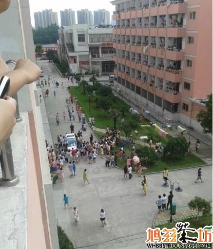 但在包河区梁园路上的安徽工业经济职业技术学院,一男生却在13号宿舍图片