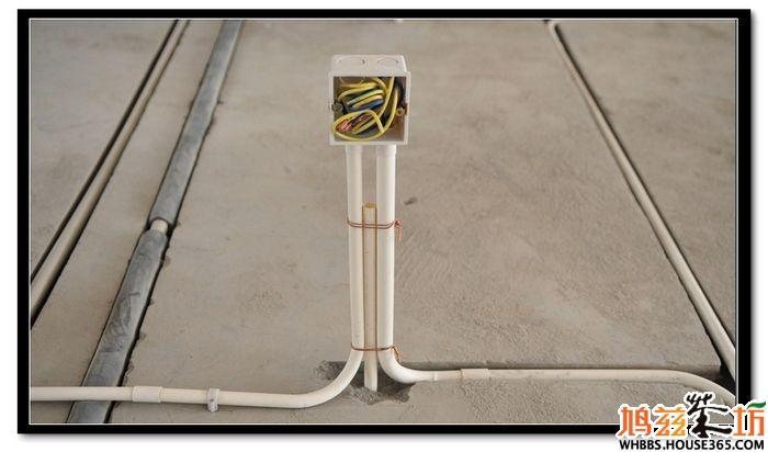 电路走线规范 木隔断处预留的电源插座,要另外加固.